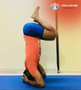 balancing-the-legs-for-sirsasana